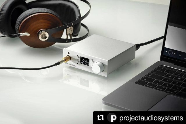 #Repost @projectaudiosystems ・・・ Le preampli hi-fi Pre Box S2 Digital déjà récompensé...est disponible !  Compatible DSD 512 et MQA, sortie casque en façade, Hi-Res Audio. . #projectaudiosystems #boxdesign #highend #hifi #musique #hiresaudio #casque  #casquehifi #hautefidelité